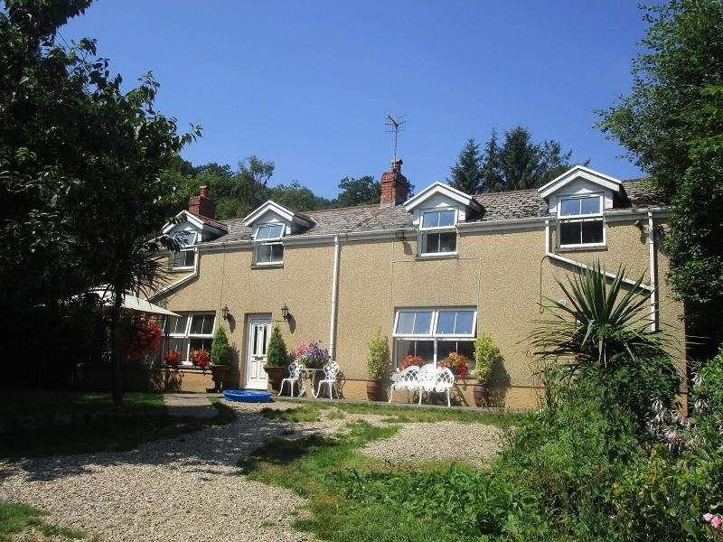 3 Bedrooms Detached House for sale in Heol Giedd , Cwmgiedd, Ystradgynlais, Swansea.