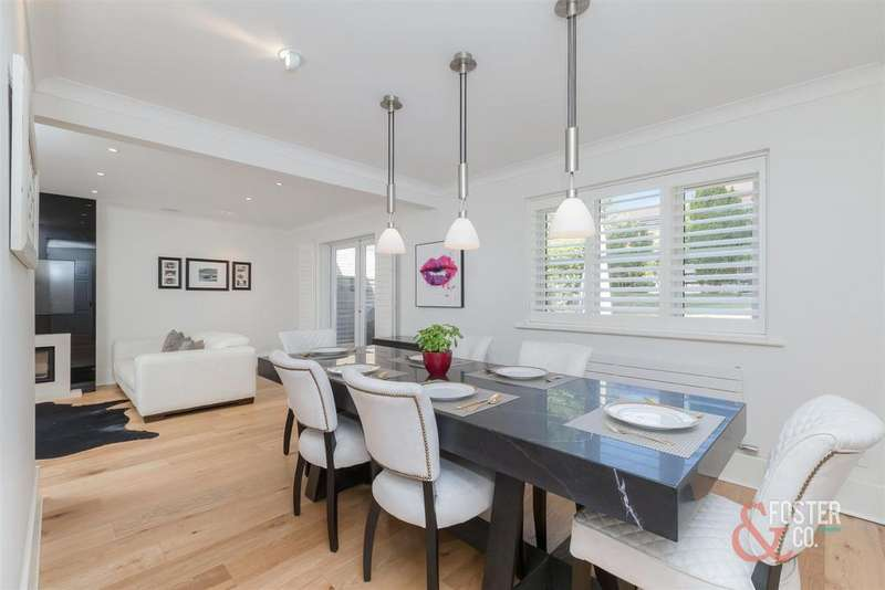 5 Bedrooms Detached House for sale in Patcham Grange, Brighton