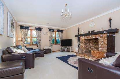 5 Bedrooms Detached House for sale in Blossom Barn, 66A Wisbech Road, March