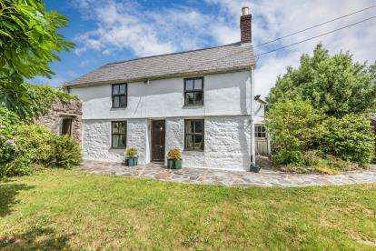 3 Bedrooms Detached House for sale in Trevarth, Redruth, Cornwall