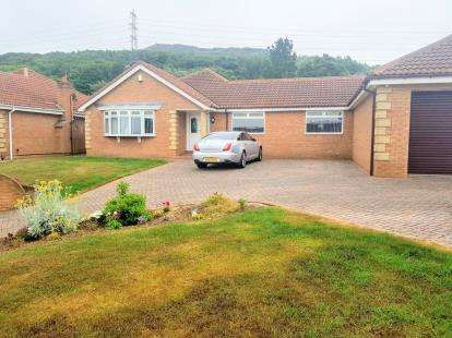 4 Bedrooms Bungalow for sale in Keepersgate, Middlesbrough, .