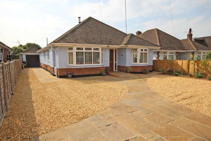 3 Bedrooms Detached Bungalow for sale in Walkford Way, Walkford, Christchurch