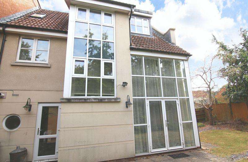 3 Bedrooms Terraced House for sale in Strathearn Drive, BS10