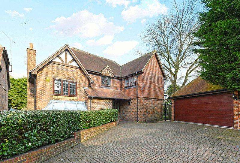 4 Bedrooms Detached House for sale in Grovewood Place, Woodford Green, IG8