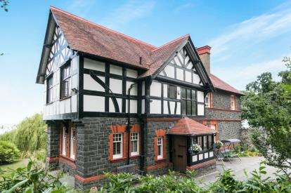 5 Bedrooms Detached House for sale in Conway Old Road, Penmaenmawr, Conwy, North Wales, LL34