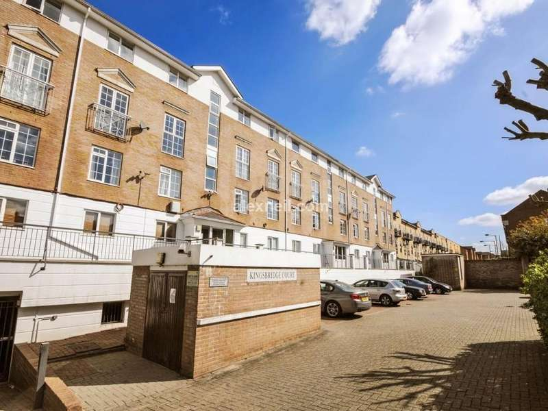 2 Bedrooms Flat for sale in Kingsbridge Court, Isle of Dogs E14