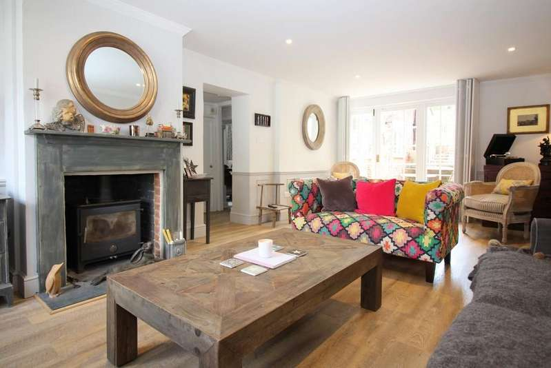 3 Bedrooms End Of Terrace House for sale in East Street, Alresford