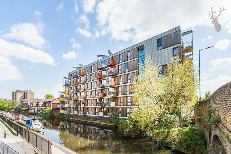 3 Bedrooms Flat for sale in Adelaide Wharf, Queensbridge Road, London, E2