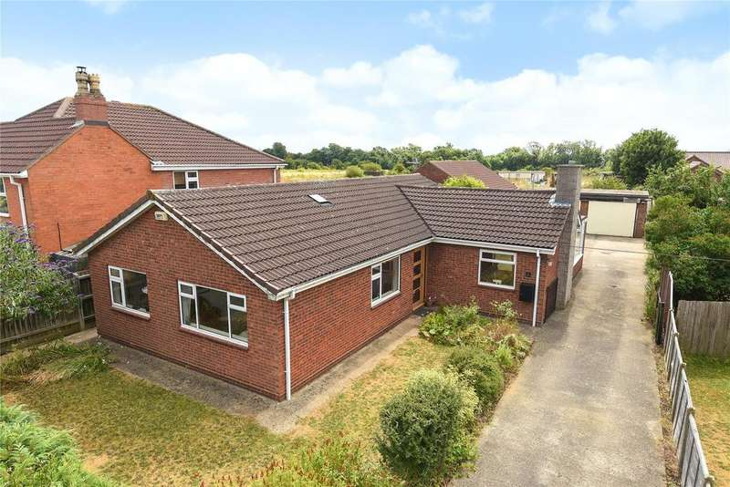 4 Bedrooms Detached Bungalow for sale in Westfield Drive, North Greetwell, LN2