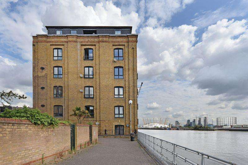 2 Bedrooms Apartment Flat for sale in Cubitt Wharf, Isle of Dogs, E14