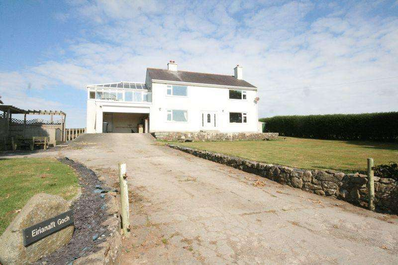 4 Bedrooms Detached House for sale in Carmel, Anglesey