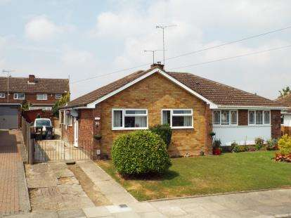 2 Bedrooms Bungalow for sale in Ripley Road, Luton, Bedfordshire, England