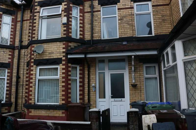 3 Bedrooms Terraced House for sale in Eastwood Avenue, Manchester