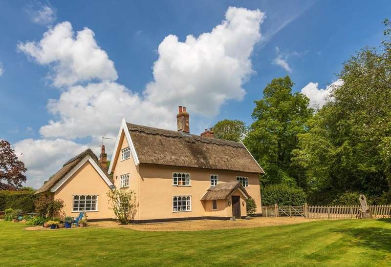 5 Bedrooms Detached House for sale in Snow Street, Roydon, Norfolk