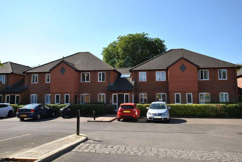 2 Bedrooms Apartment Flat for sale in Parkhouse Lane, Reading