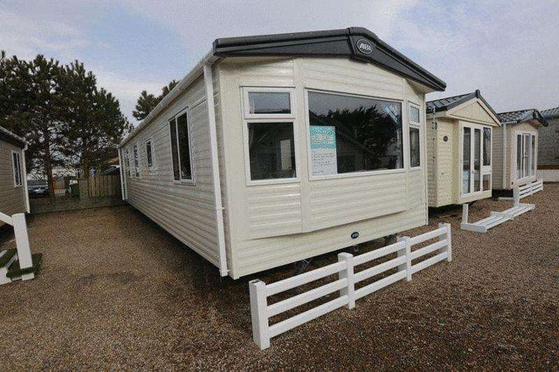 2 Bedrooms Caravan Mobile Home for sale in Tattershall Lakes