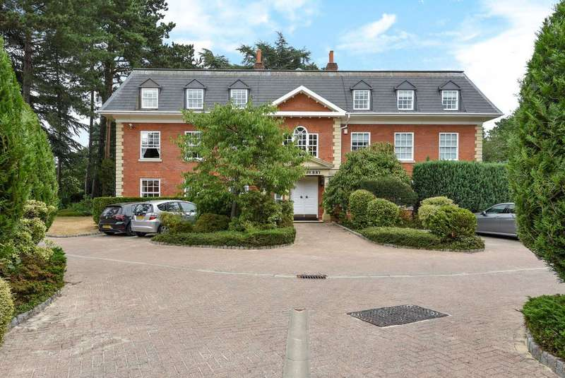 3 Bedrooms Flat for sale in Turnberry House, Cross Road, Sunningdale, Berkshire, SL5