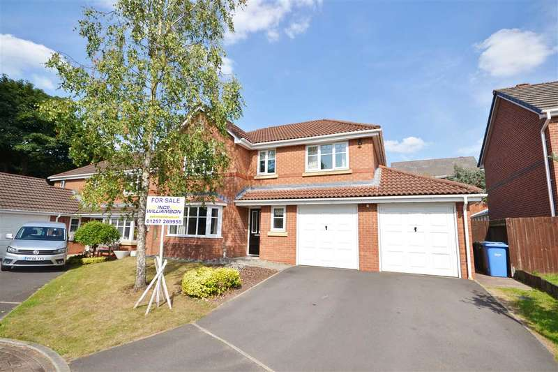 4 Bedrooms Detached House for sale in Parkers Wood Close, Chorley