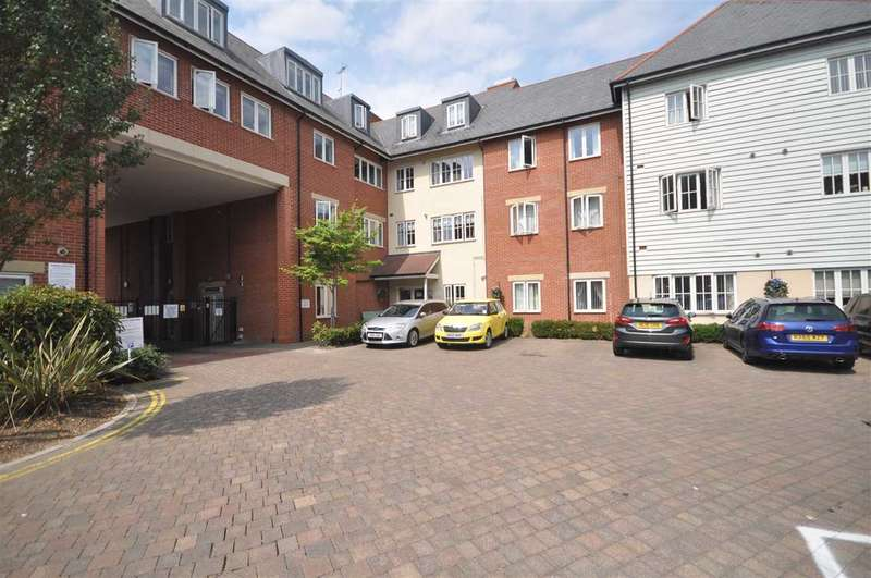 2 Bedrooms Flat for sale in The Meads, Ongar Road, Brentwood