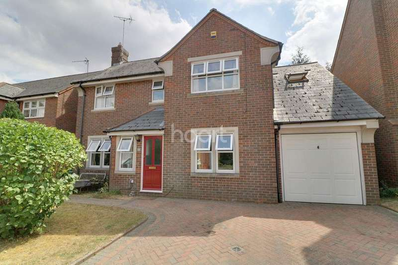 4 Bedrooms Detached House for sale in Catchacre, LU6