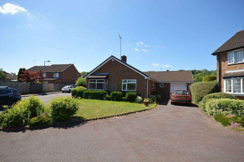 3 Bedrooms Detached Bungalow for sale in Gilder Close, Luton
