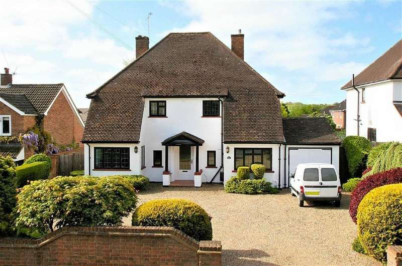 4 Bedrooms Detached House for sale in Park Lane, Knebworth, SG3 6PH