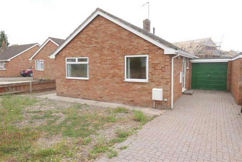 2 Bedrooms Detached Bungalow for sale in Trevisa Crescent, Berkeley, GL13