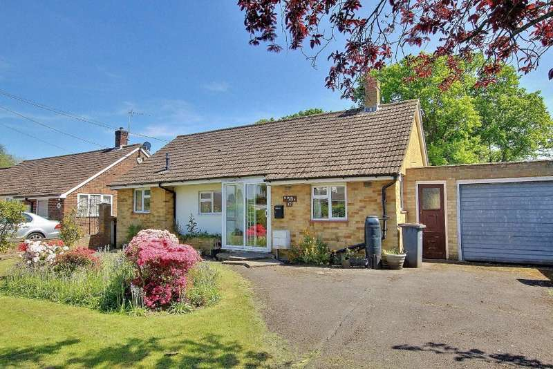 3 Bedrooms Bungalow for sale in 17 Rosslyn Close, North Baddesley, Southampton, Hampshire