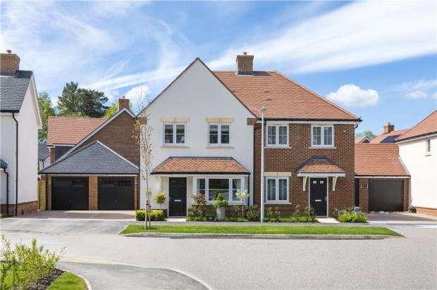 3 Bedrooms Detached House for sale in Oakham Park, Old Wokingham Road, Crowthorne