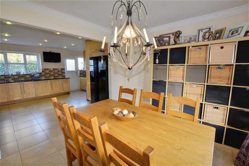 4 Bedrooms Detached House for sale in Park Lane Close, Womersley, Doncaster, DN6