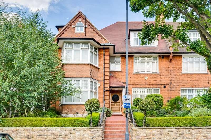2 Bedrooms Flat for sale in Bracknell Gardens, Hampstead