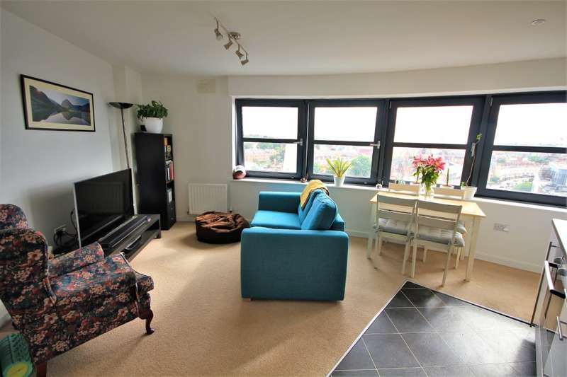 2 Bedrooms Apartment Flat for sale in Q Watlington Street, Reading, RG1