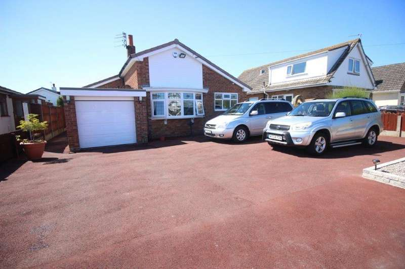 2 Bedrooms Detached Bungalow for sale in Middleton Avenue, Fleetwood