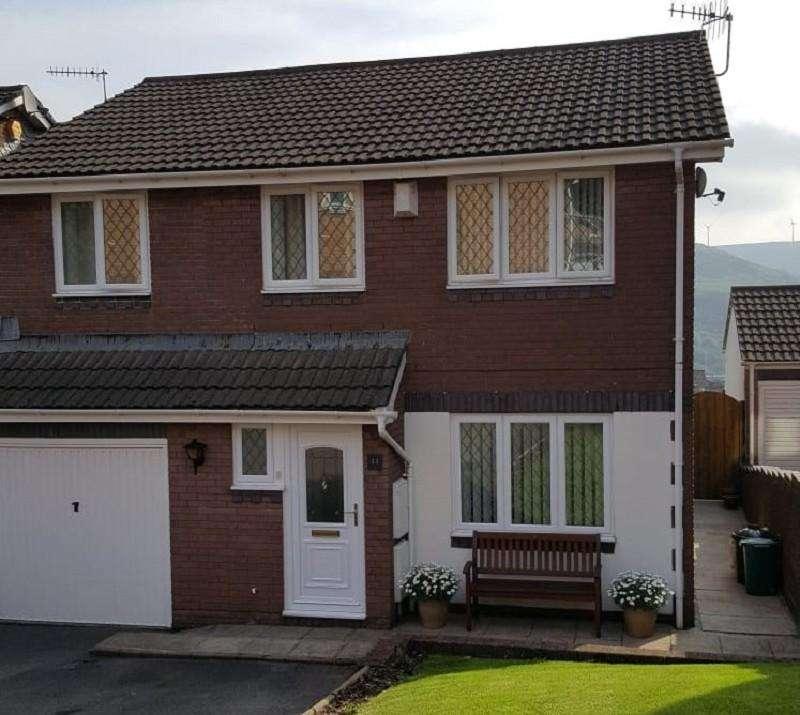 4 Bedrooms Semi Detached House for sale in Dinam Park, Ton Pentre, Pentre, Rhondda, Cynon, Taff. CF41 7DX