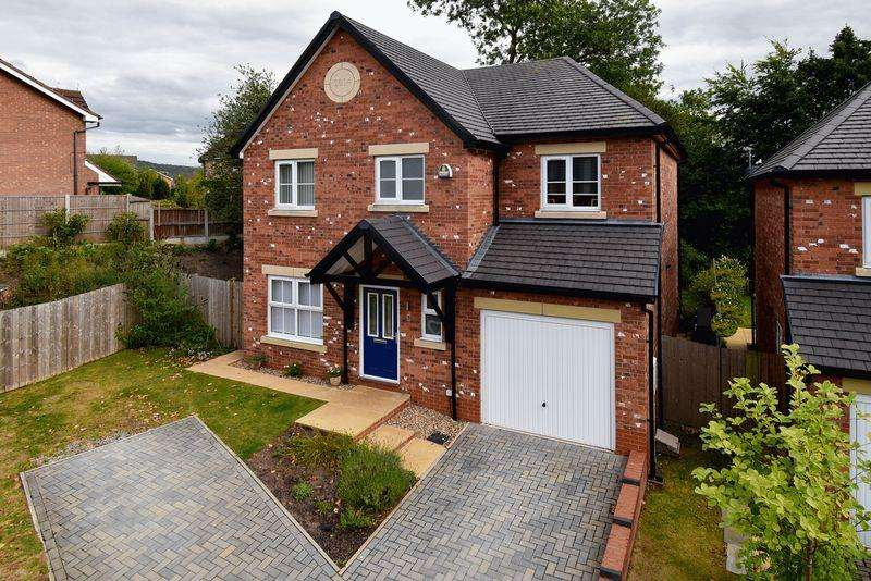 4 Bedrooms Detached House for sale in Vicarage Avenue, Congleton