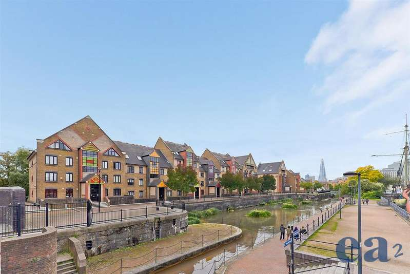 2 Bedrooms Apartment Flat for sale in Discovery Walk, Wapping