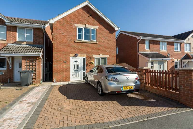 3 Bedrooms Detached House for sale in Watling Close, Lincoln, Lincolnshire, LN4
