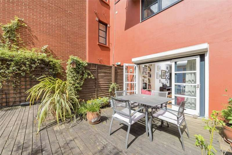 3 Bedrooms Flat for sale in Broadwall, Southbank, London
