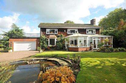 5 Bedrooms Detached House for sale in Chester Road, Middlewich, Cheshire
