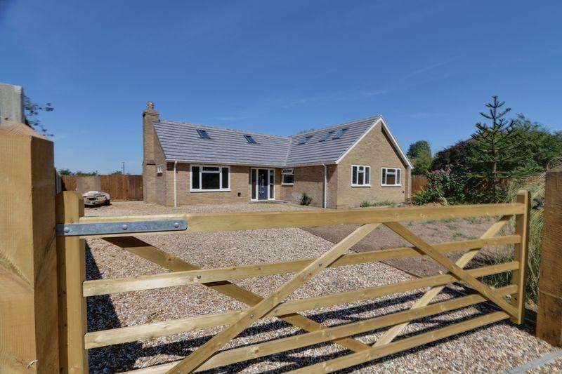 4 Bedrooms Detached House for sale in Main Street, Wentworth