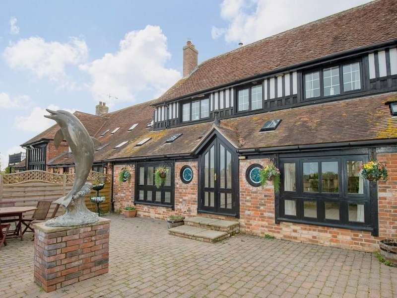 4 Bedrooms Farm House Character Property for sale in Dolmans Hill, Lytchett Matravers, Poole, Dorset