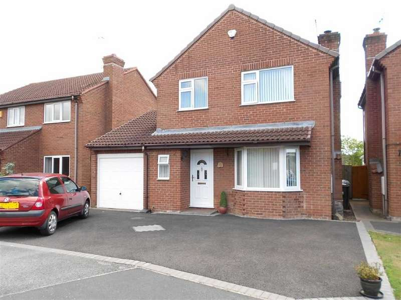 3 Bedrooms Detached House for sale in Kinder Drive, Woolstanwood, Crewe, Cheshire