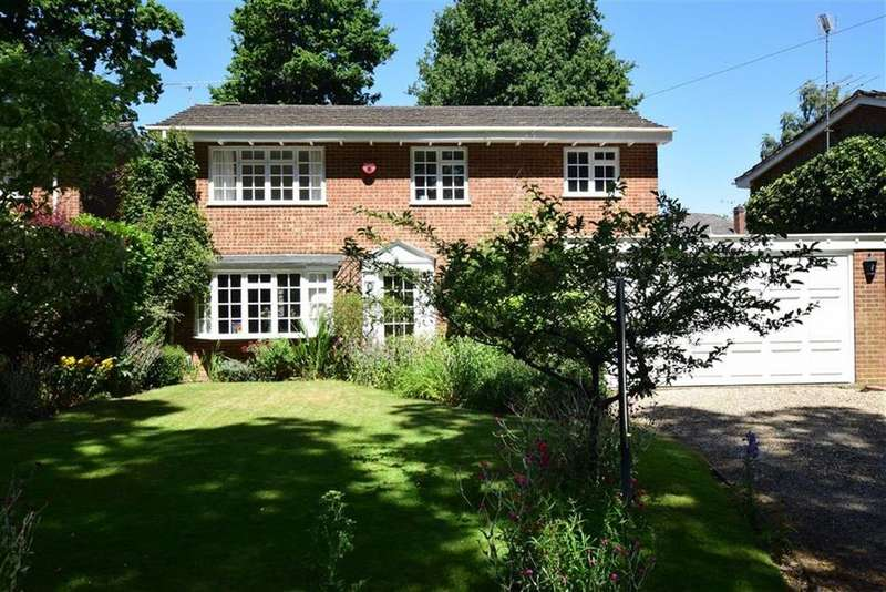 4 Bedrooms Detached House for sale in Conisboro Way, Caversham Heights, Reading