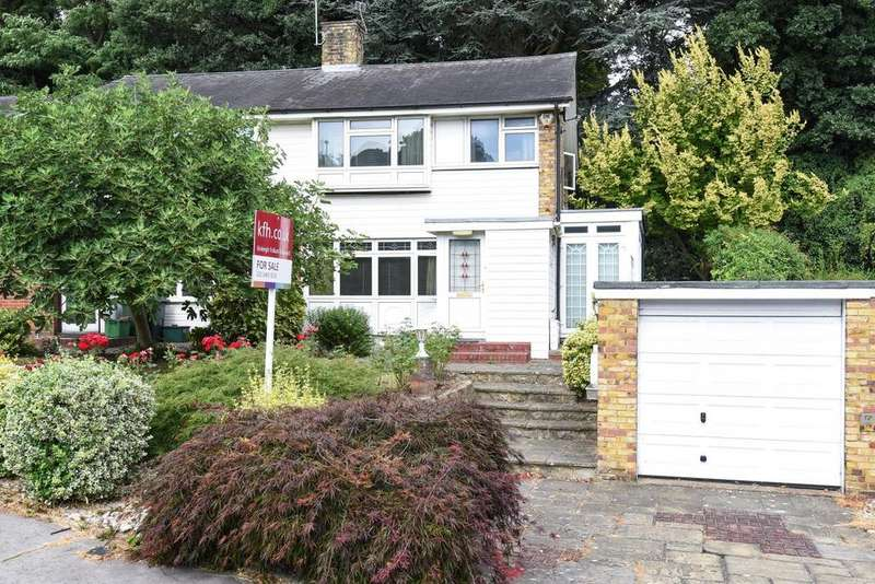 3 Bedrooms Semi Detached House for sale in Stambourne Way, Crystal Palace