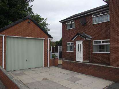 2 Bedrooms Semi Detached House for sale in Nicholson Street, Warrington, Cheshire
