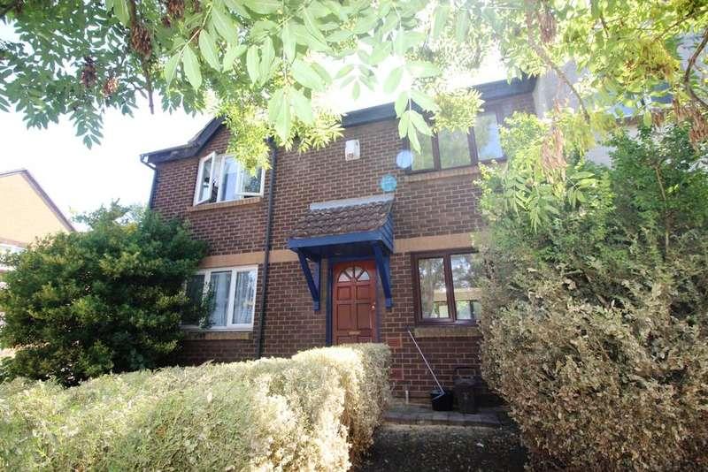 4 Bedrooms Terraced House for sale in Manordene Road London SE28