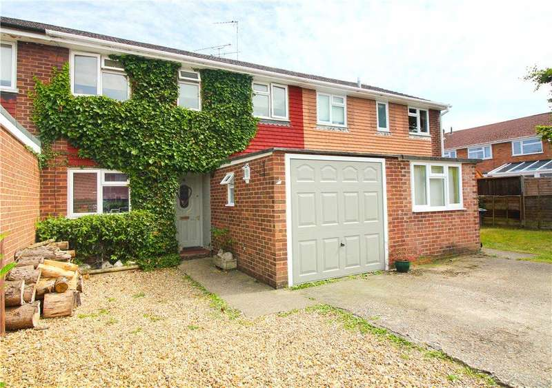 3 Bedrooms Terraced House for sale in Romsey Close, Blackwater, Camberley, GU17