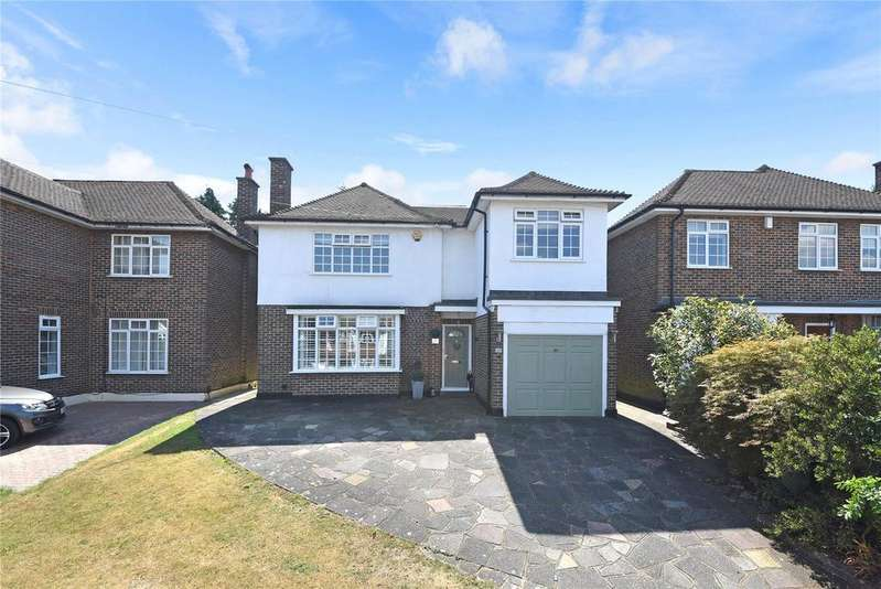 4 Bedrooms Detached House for sale in Stratton Avenue, Wallington, SM6
