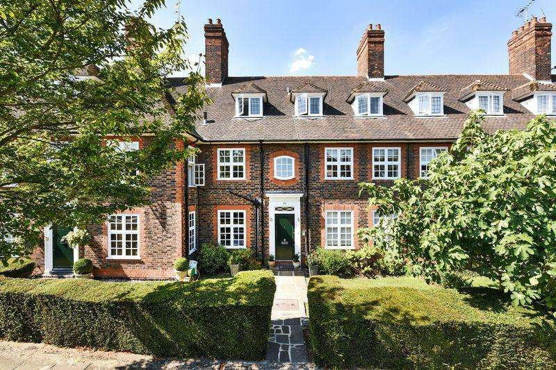 3 Bedrooms Apartment Flat for sale in Bigwood Road, Hampstead Garden Suburb NW11