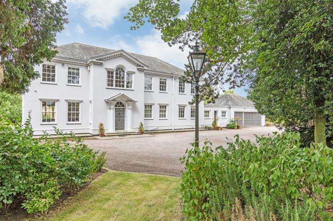 4 Bedrooms Country House Character Property for sale in The Manor, Chapel Lane, Epperstone, Nottinghamshire NG14 6AE